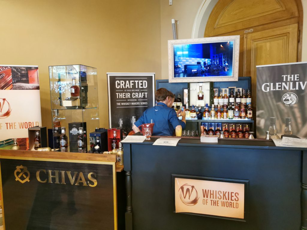 ...nebo Chivas Brothers(Pernod Ricard)